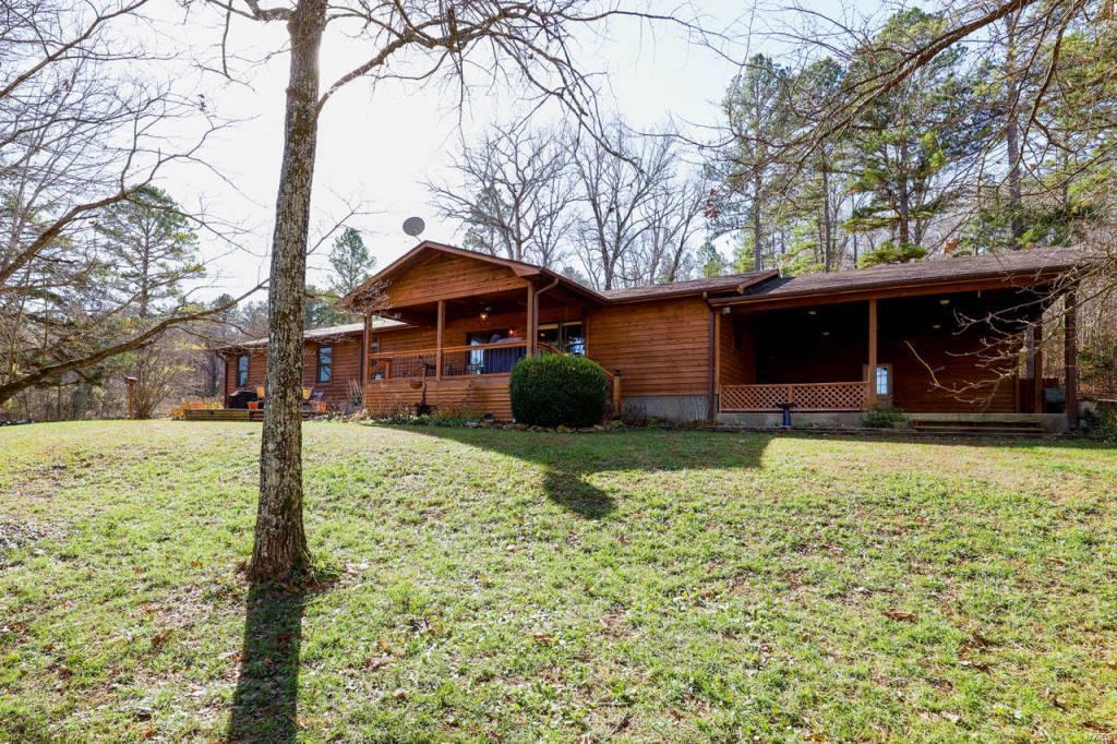 109 Five Oak Drive Property Photo - Van Buren, MO real estate listing