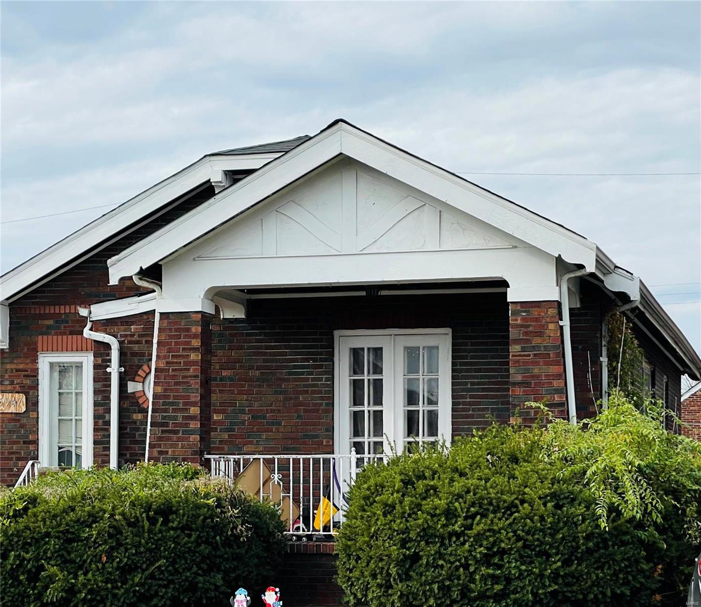 5947 Park Lane Property Photo - St Louis, MO real estate listing