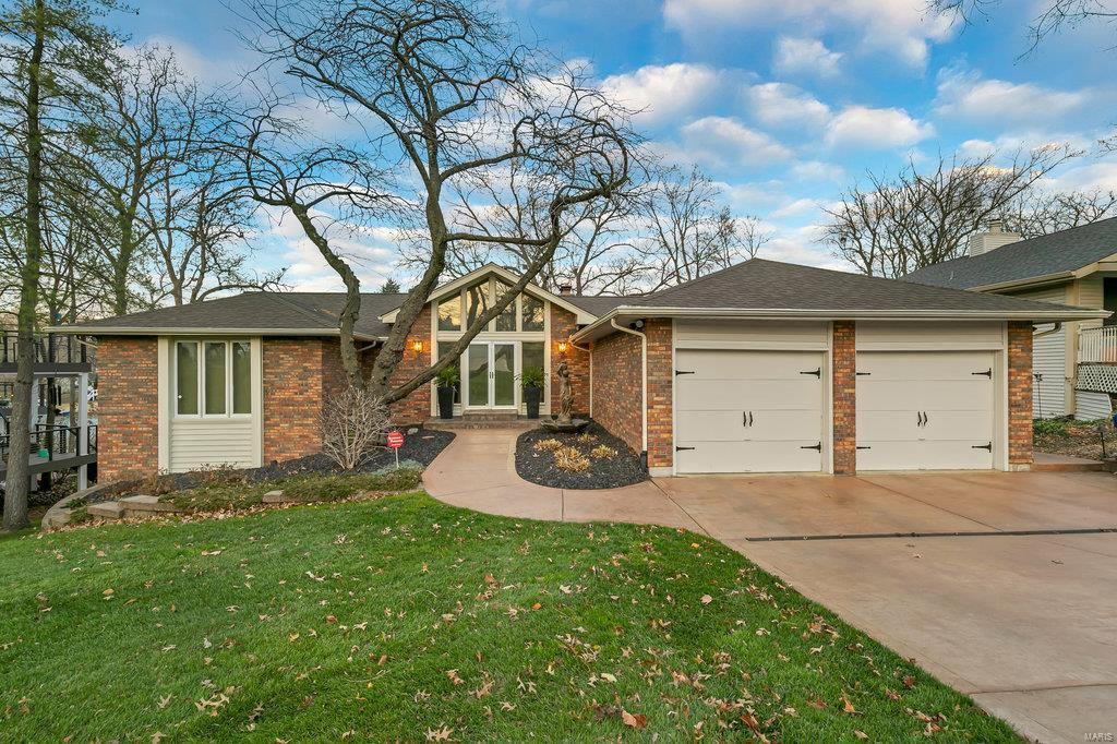 18 Burgundy Drive Property Photo - Lake St Louis, MO real estate listing