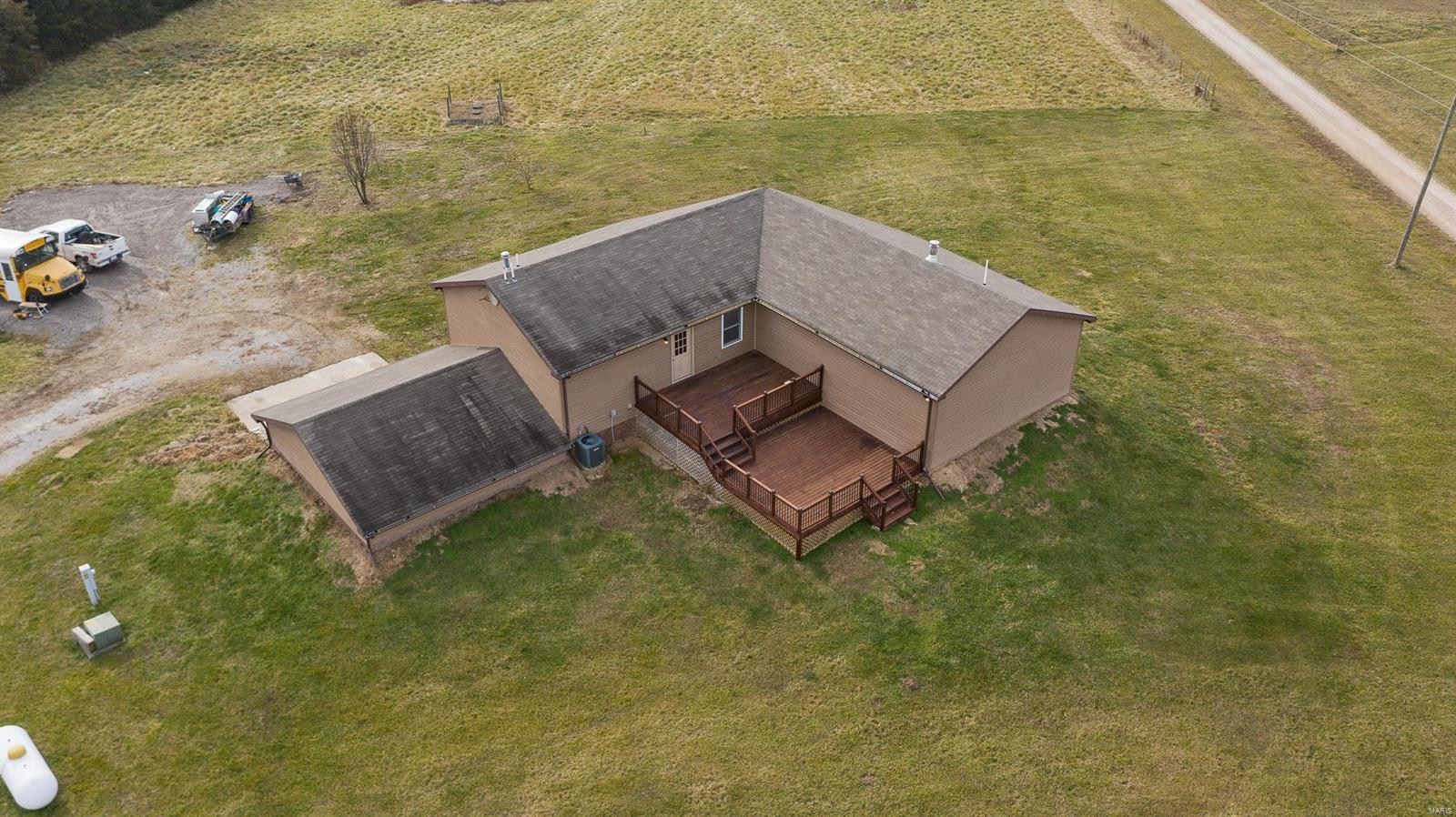 8786 County Road 142 Property Photo - Williamsburg, MO real estate listing