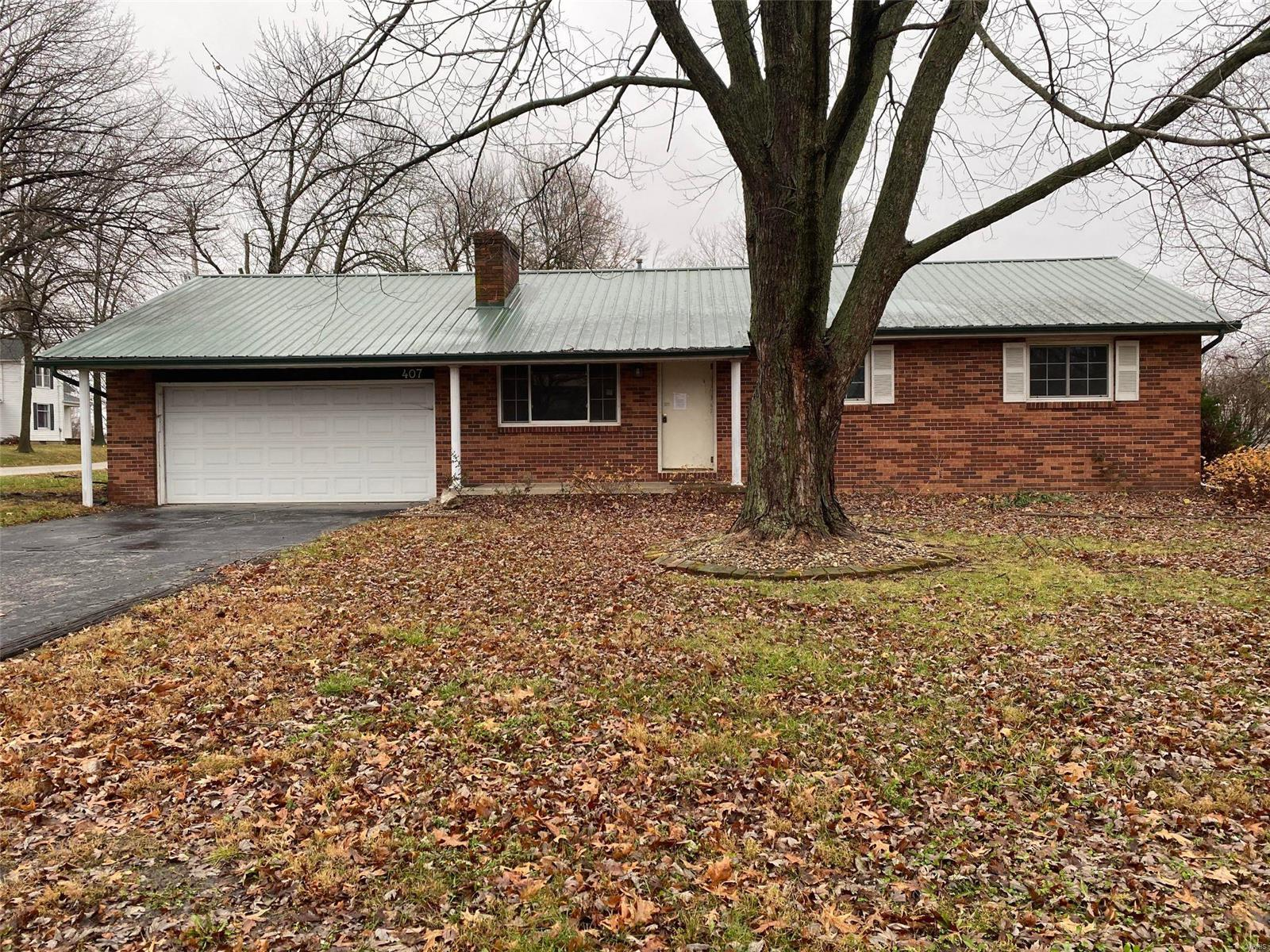 407 W Sanford Street Property Photo - Bunker Hill, IL real estate listing