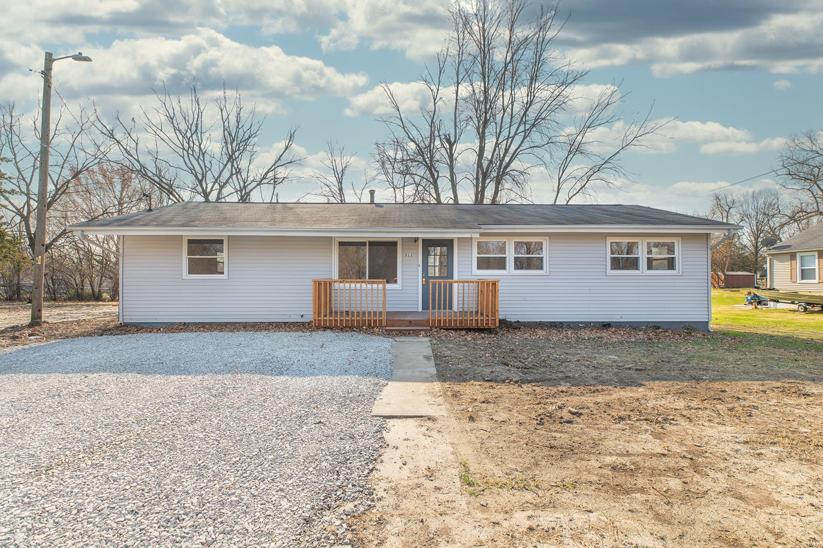 512 E Park Property Photo - Bunker Hill, IL real estate listing