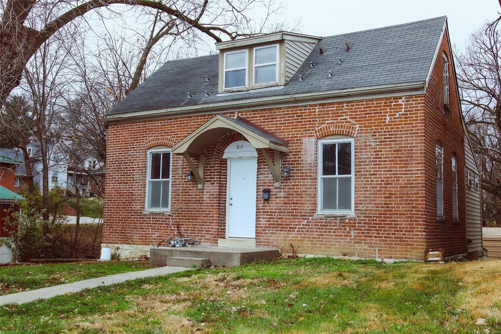 814 Broadway Street Property Photo - Jefferson City, MO real estate listing