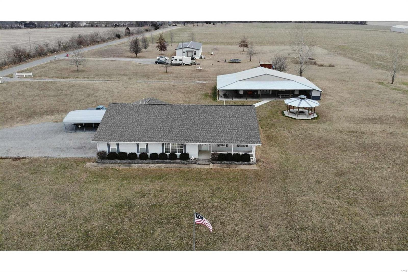 378 County Highway 405 Property Photo - Sikeston, MO real estate listing