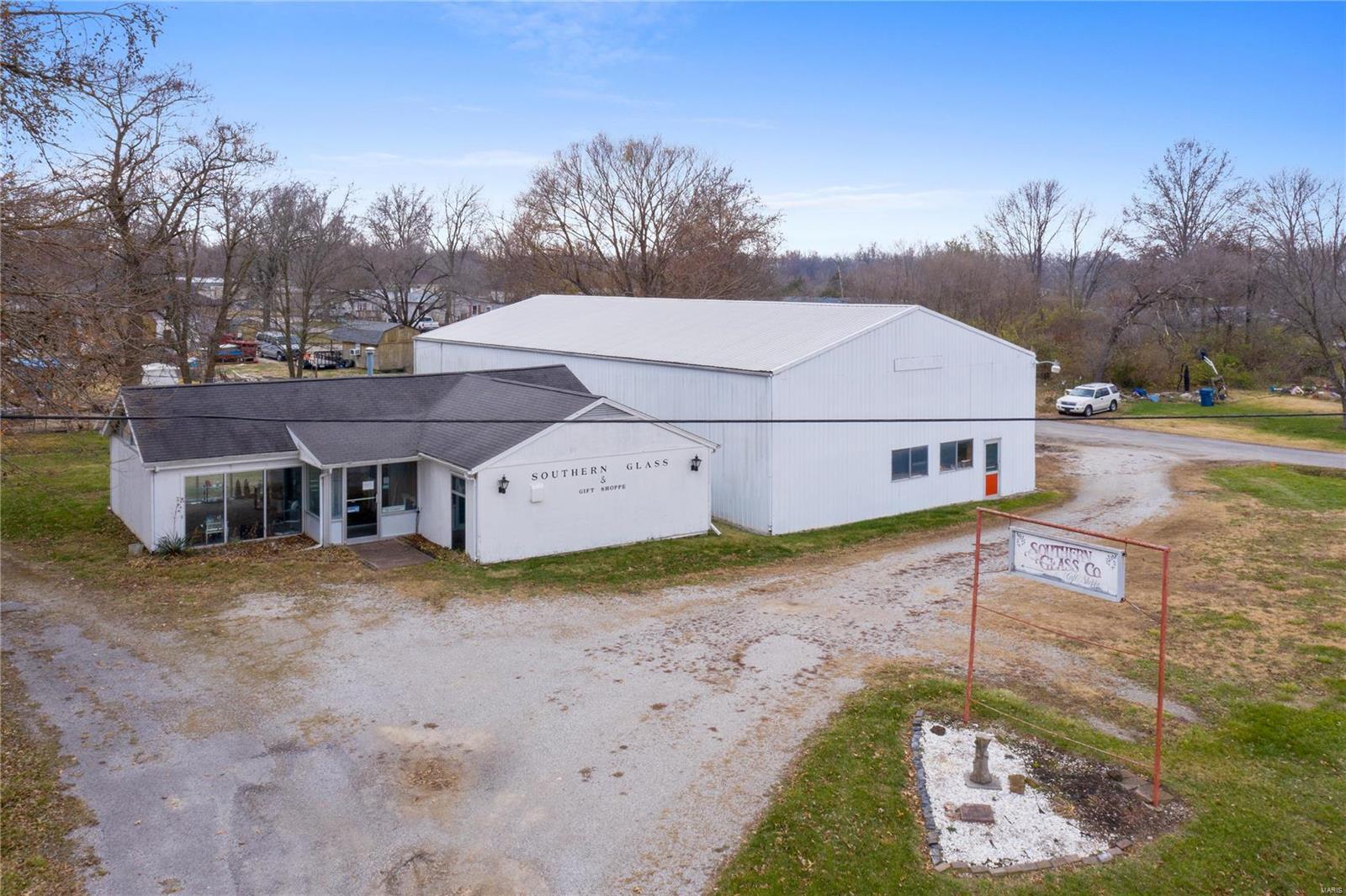 1005 Beacham Avenue Property Photo - Centralia, IL real estate listing