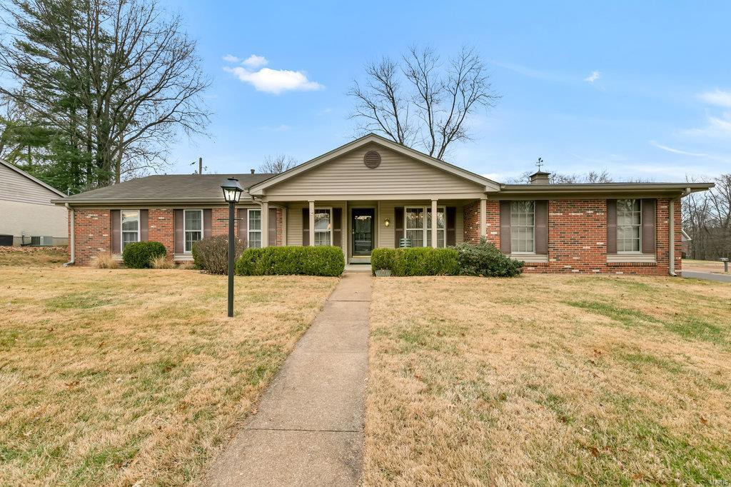 12927 Camphill Court Property Photo - St Louis, MO real estate listing