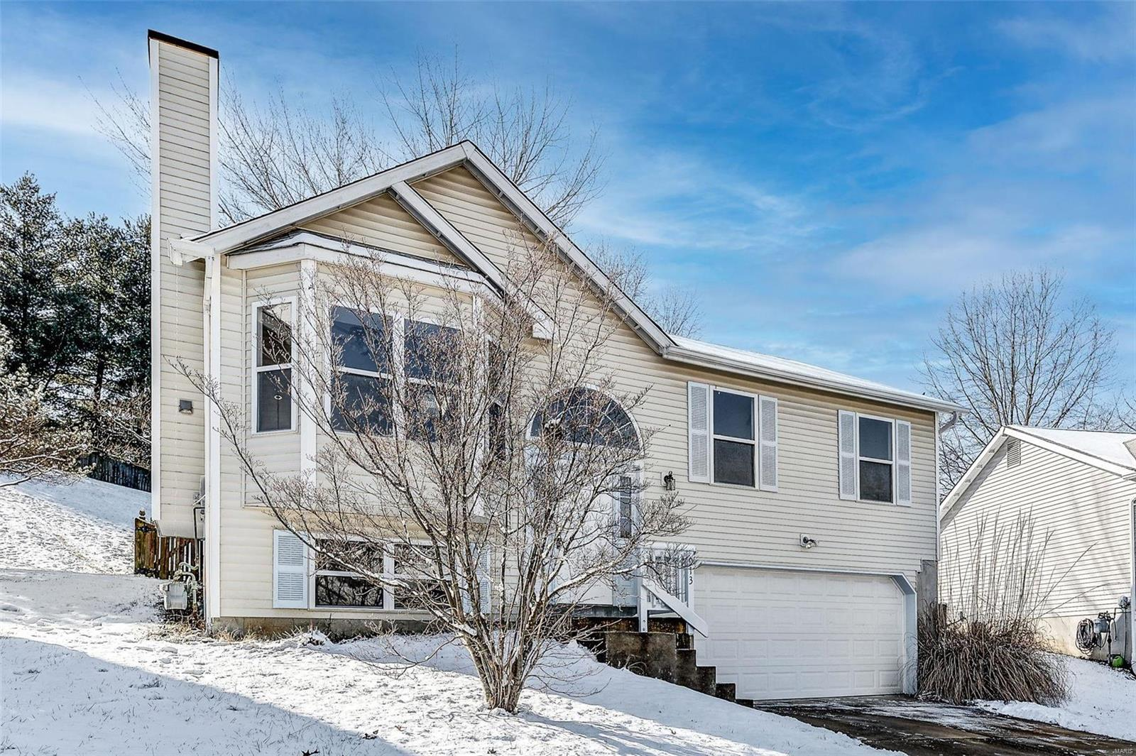 913 Wynstay Property Photo - Valley Park, MO real estate listing