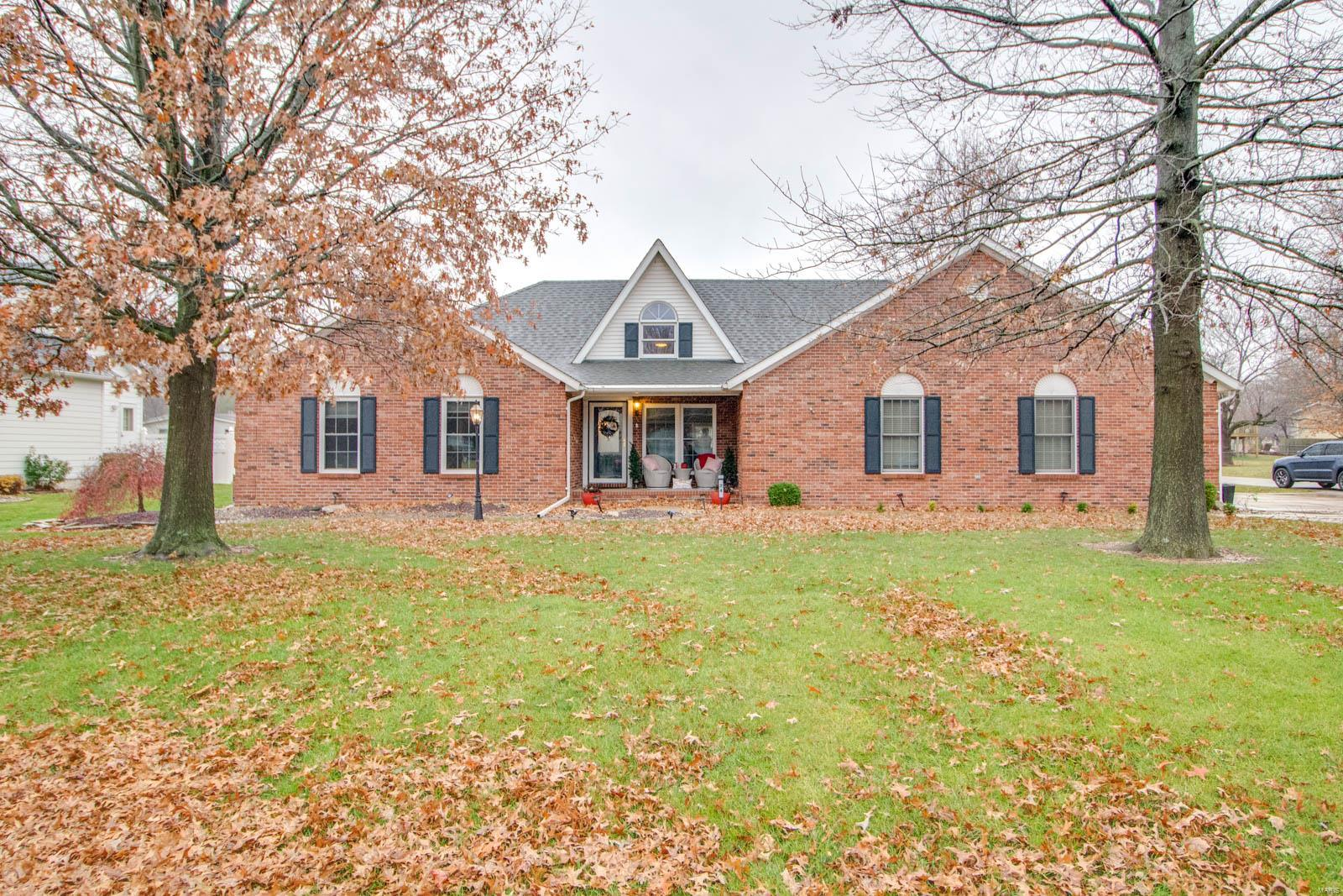 24 Sugarbend Drive Property Photo - Jerseyville, IL real estate listing