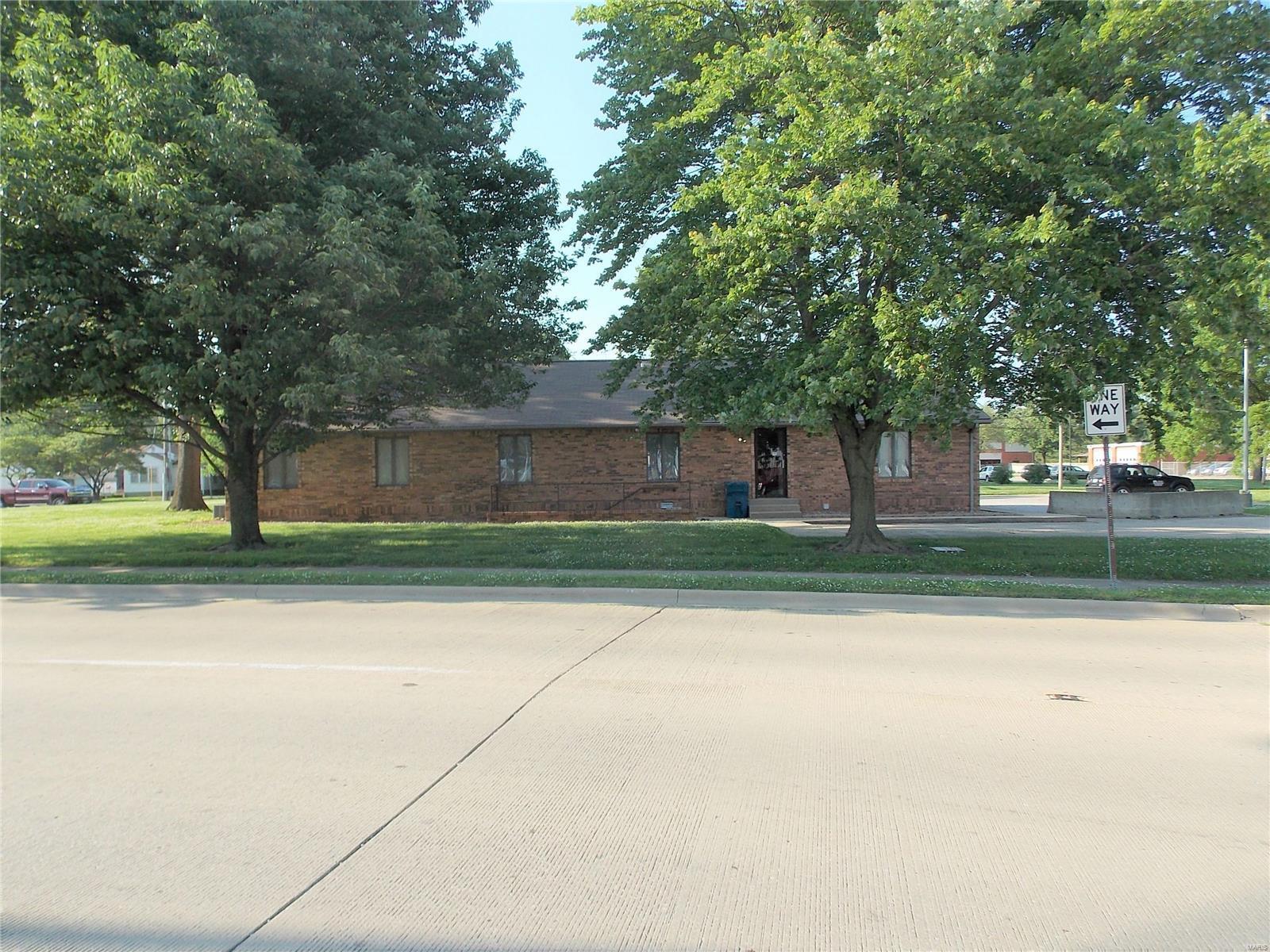 837 E McCord Property Photo - Centralia, IL real estate listing
