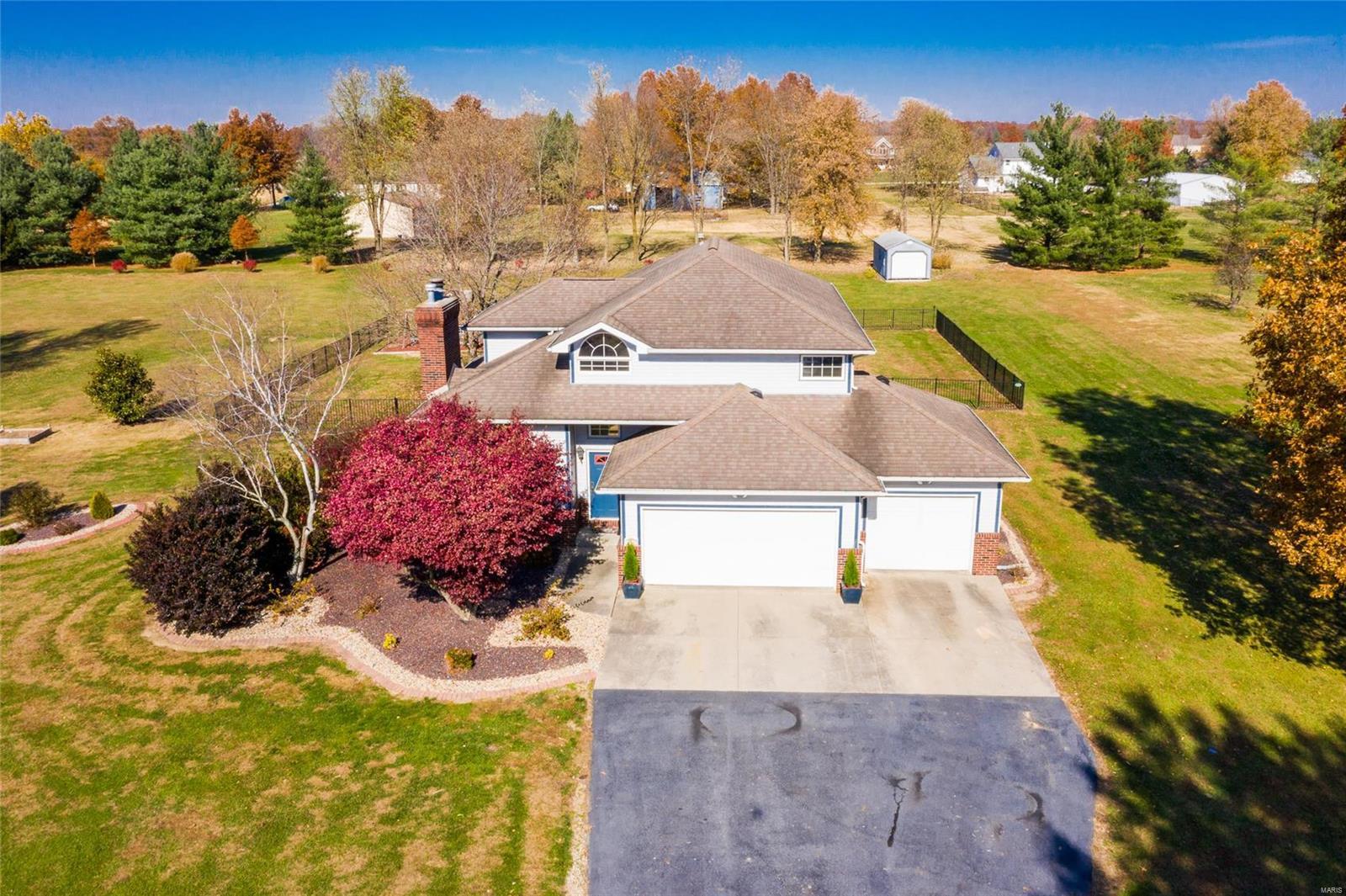 4705 Harvestyme Court Property Photo - Bethalto, IL real estate listing