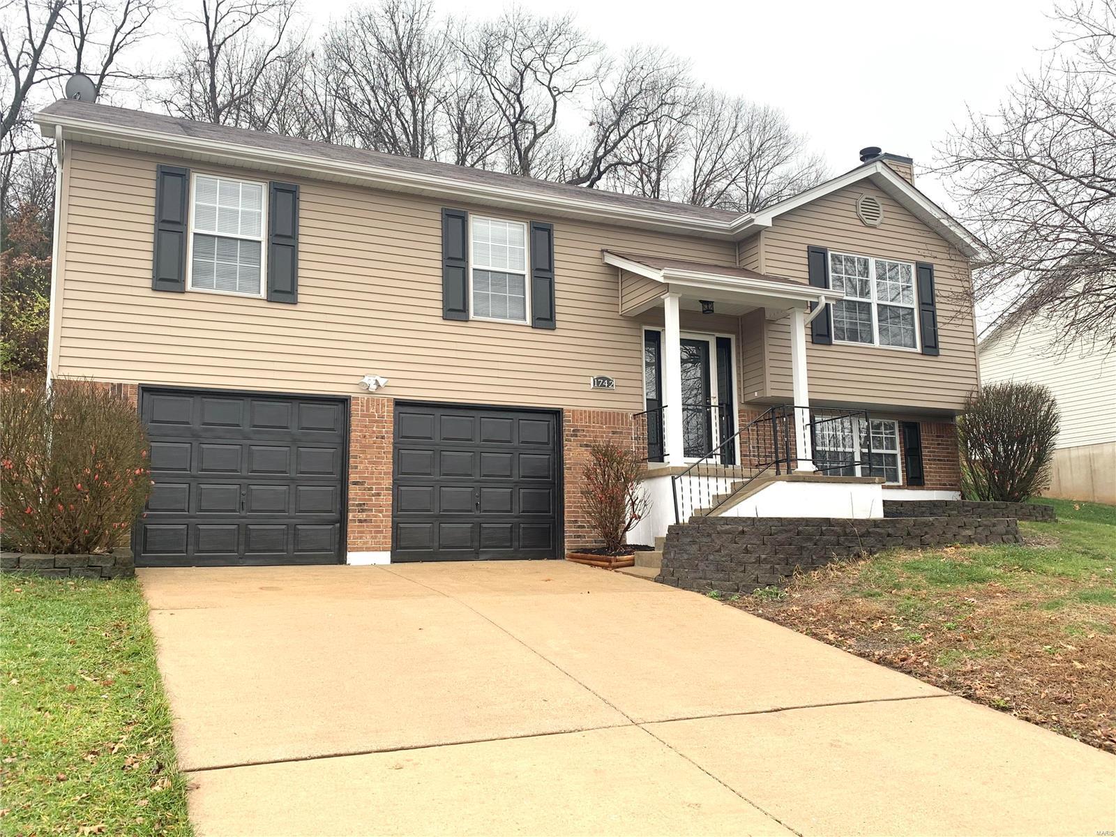 1742 Primrose Lane Property Photo - Barnhart, MO real estate listing