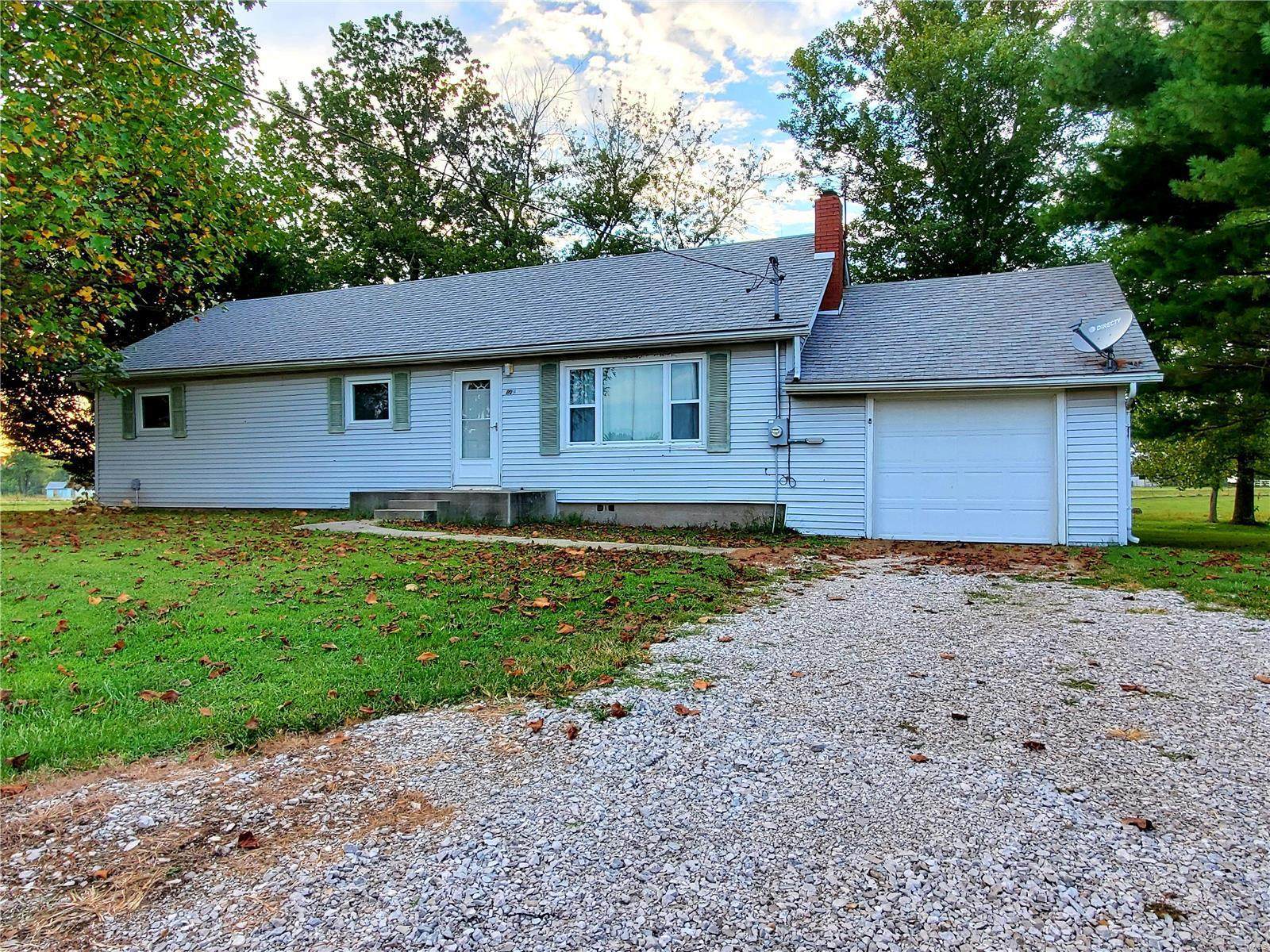 8014 N Humbert Property Photo - Brighton, IL real estate listing