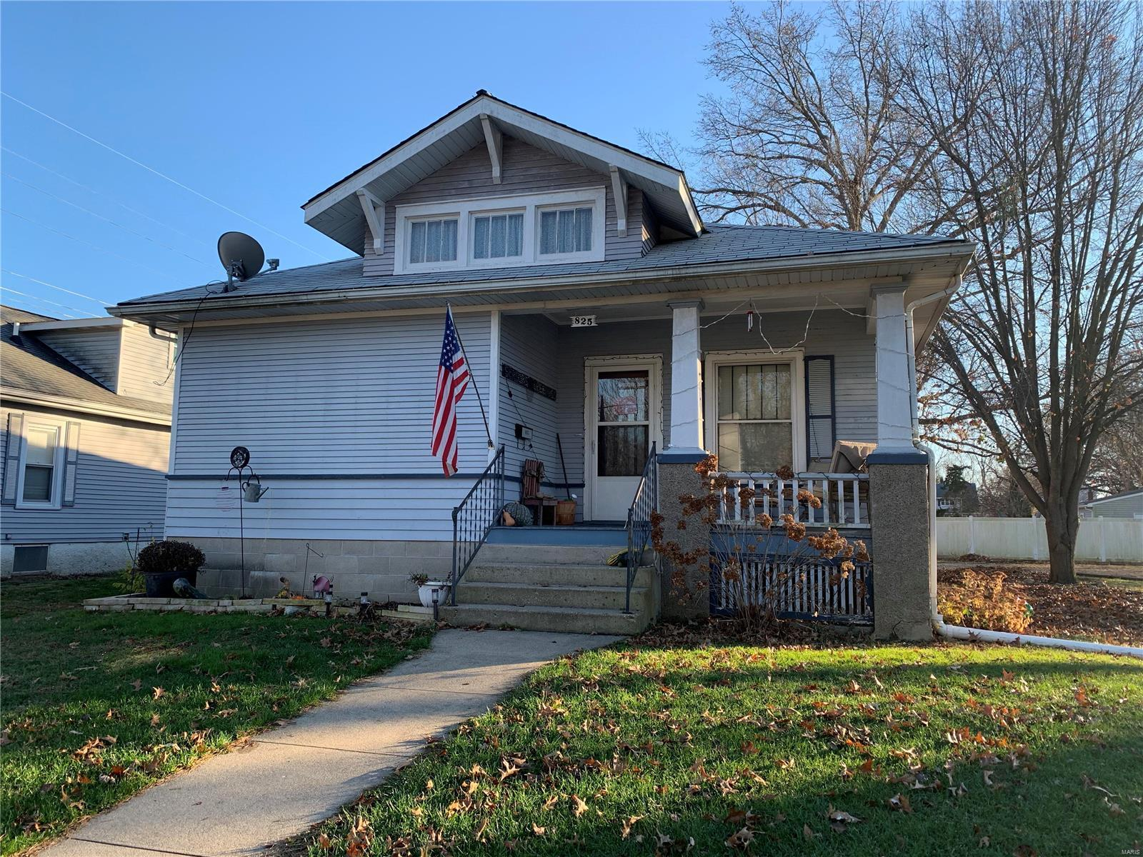 825 Prairie Street Property Photo - Carlinville, IL real estate listing