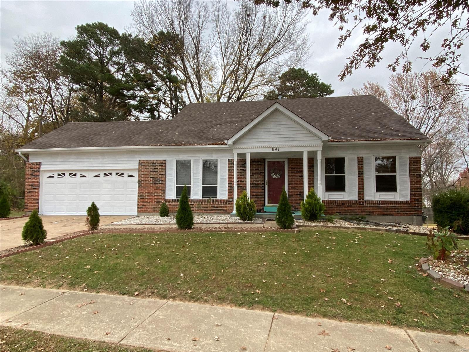 941 Peace Haven Property Photo - St Louis, MO real estate listing