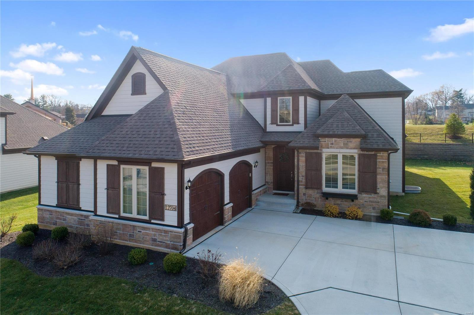 12704 Creekside View Drive Property Photo - Creve Coeur, MO real estate listing