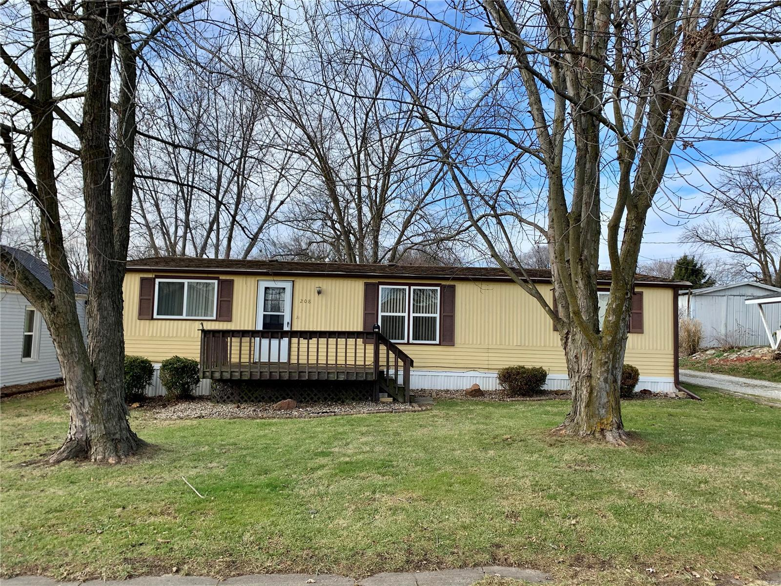208 N Spring Property Photo - Palmyra, MO real estate listing