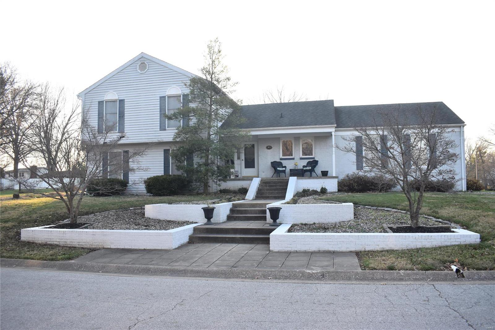 1833 Apache Lane Property Photo - Godfrey, IL real estate listing