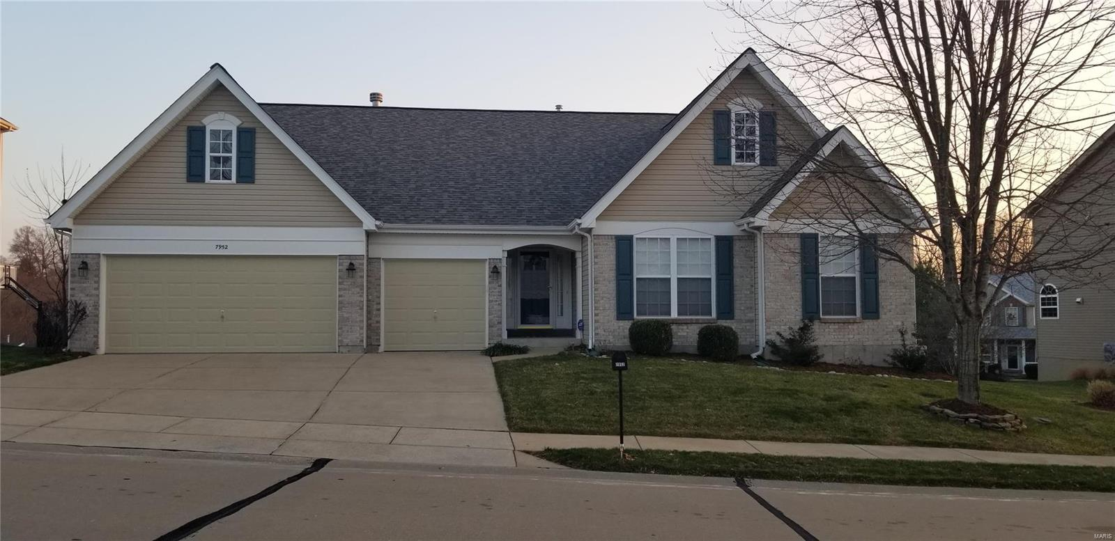 7952 Pinetop Property Photo - St Louis, MO real estate listing