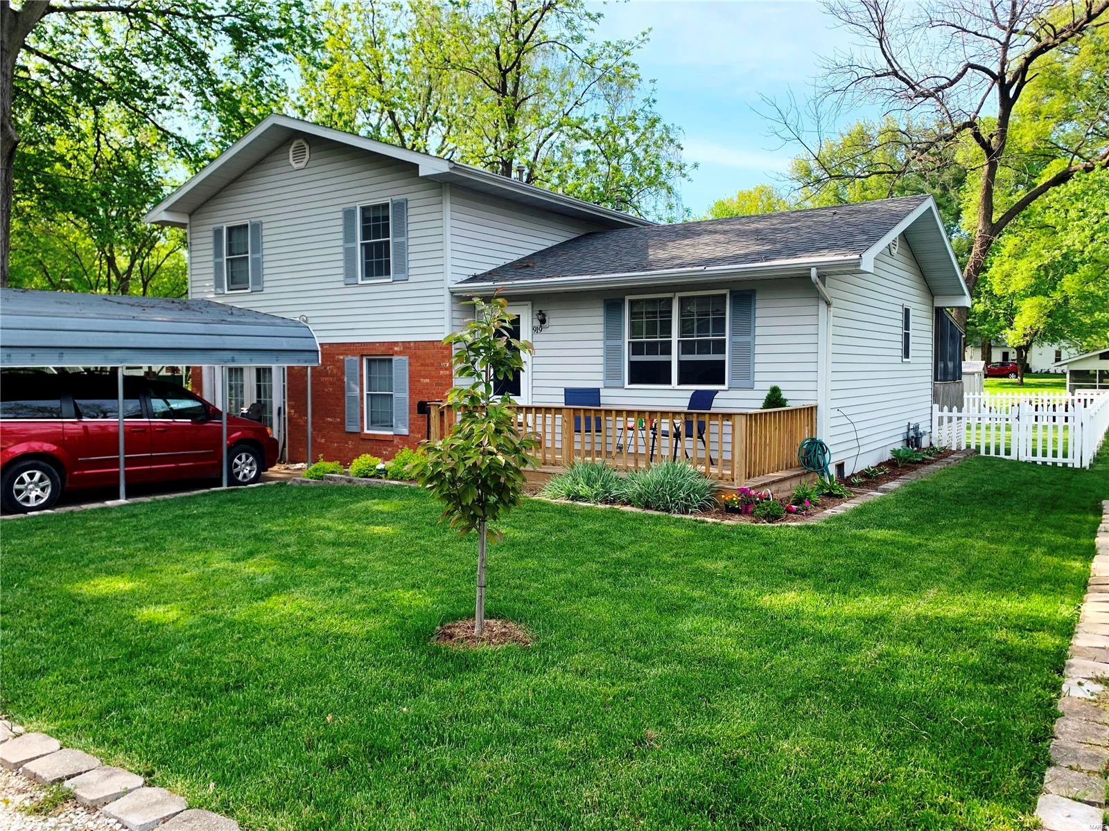 919 E Winter Property Photo - Greenville, IL real estate listing