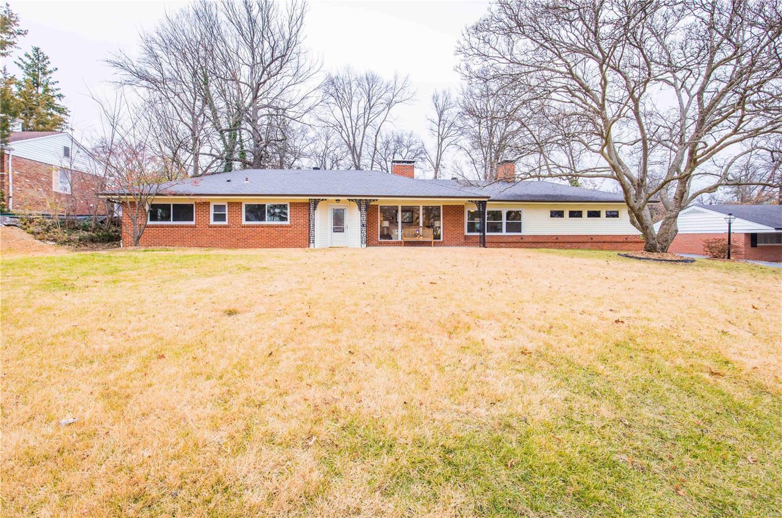 21 Beaver Drive Property Photo - Creve Coeur, MO real estate listing