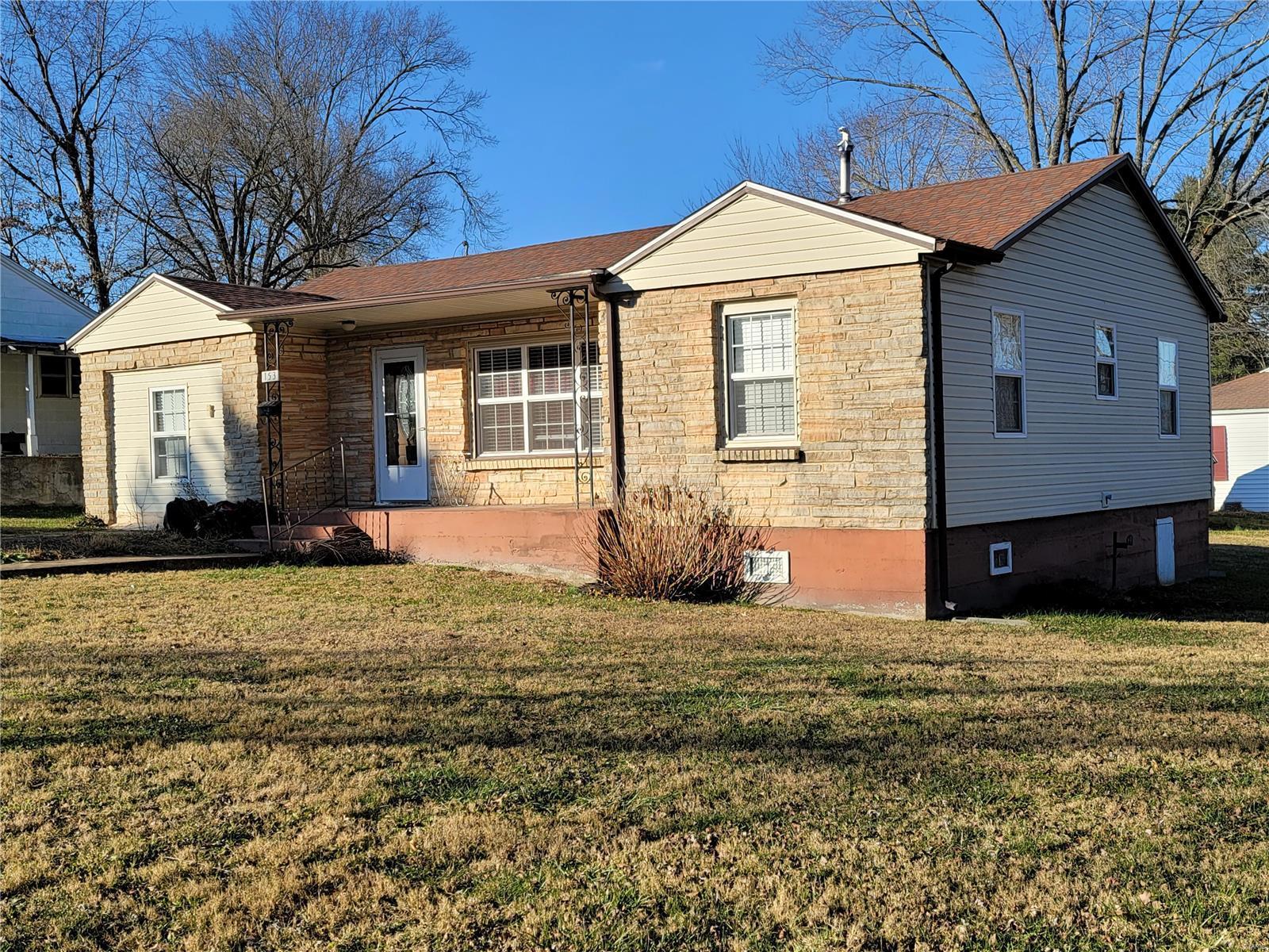 153 S Oak Crest Drive Property Photo - Houston, MO real estate listing
