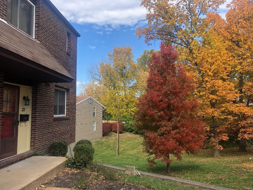27 Tower Hill Court Property Photo - Olivette, MO real estate listing
