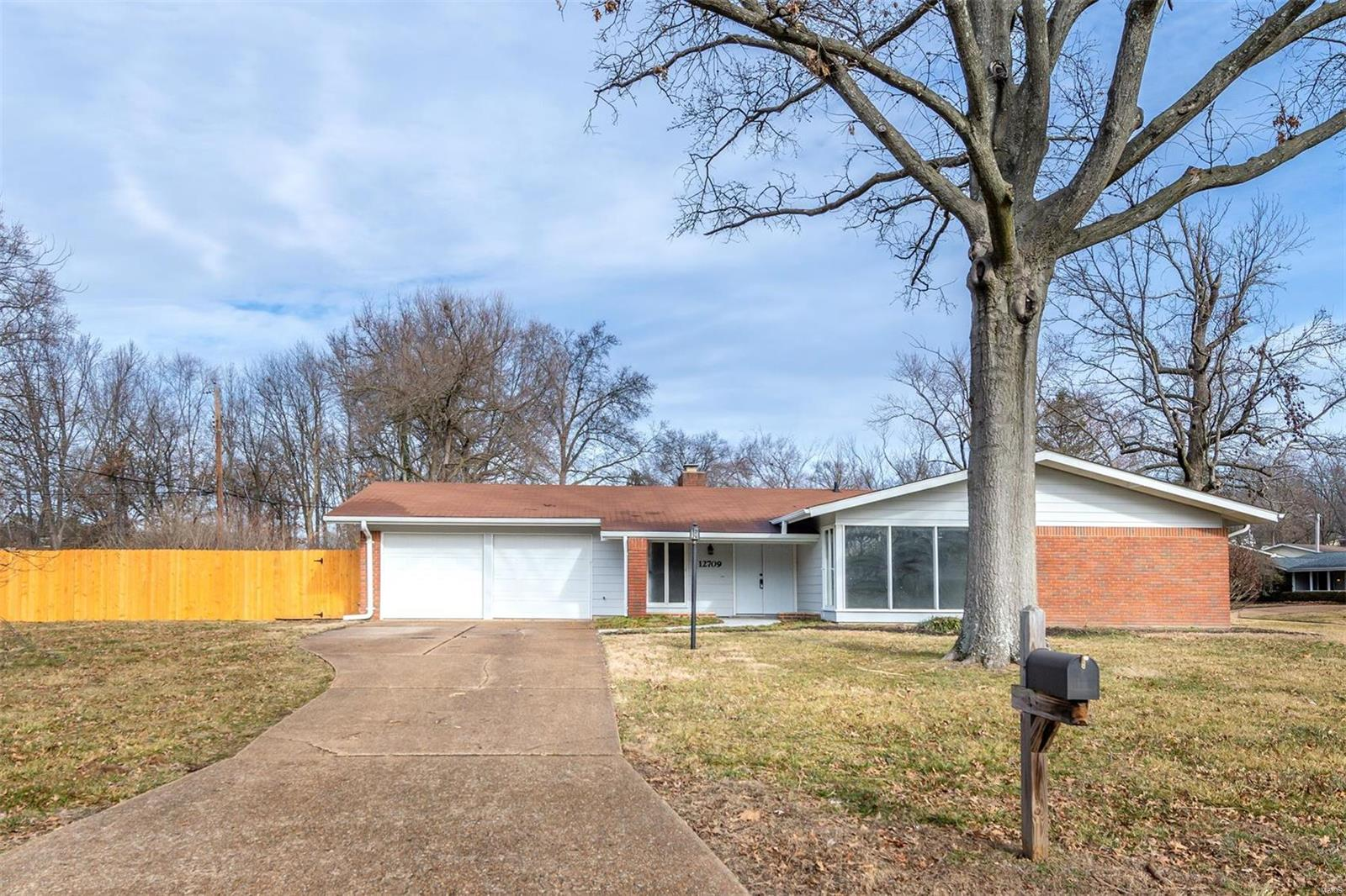 12709 Westport Property Photo - St Louis, MO real estate listing