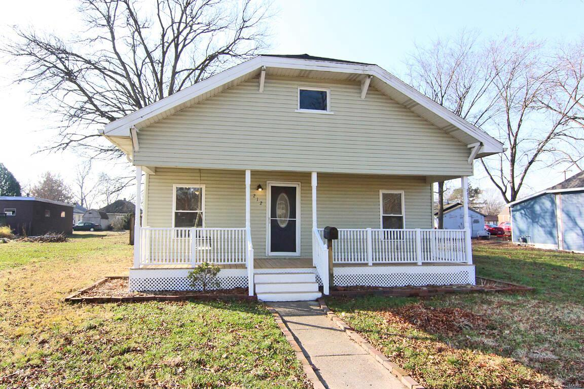 212 W Davidson Avenue Property Photo - Chaffee, MO real estate listing