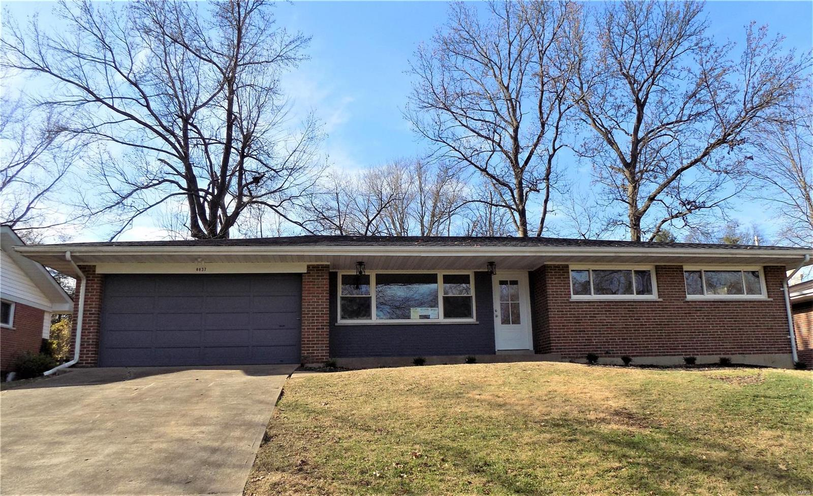 8837 Hemingway Drive Property Photo - St Louis, MO real estate listing