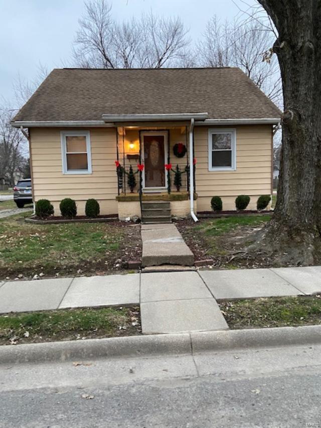 864 W Vernor Property Photo - Nashville, IL real estate listing