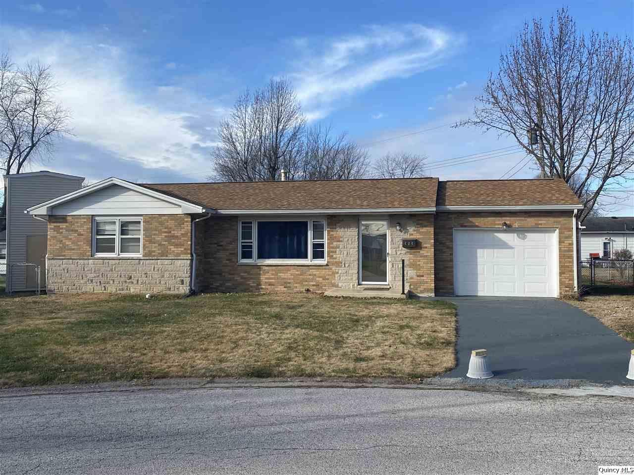 424 Noel Ct Property Photo - Quincy, IL real estate listing