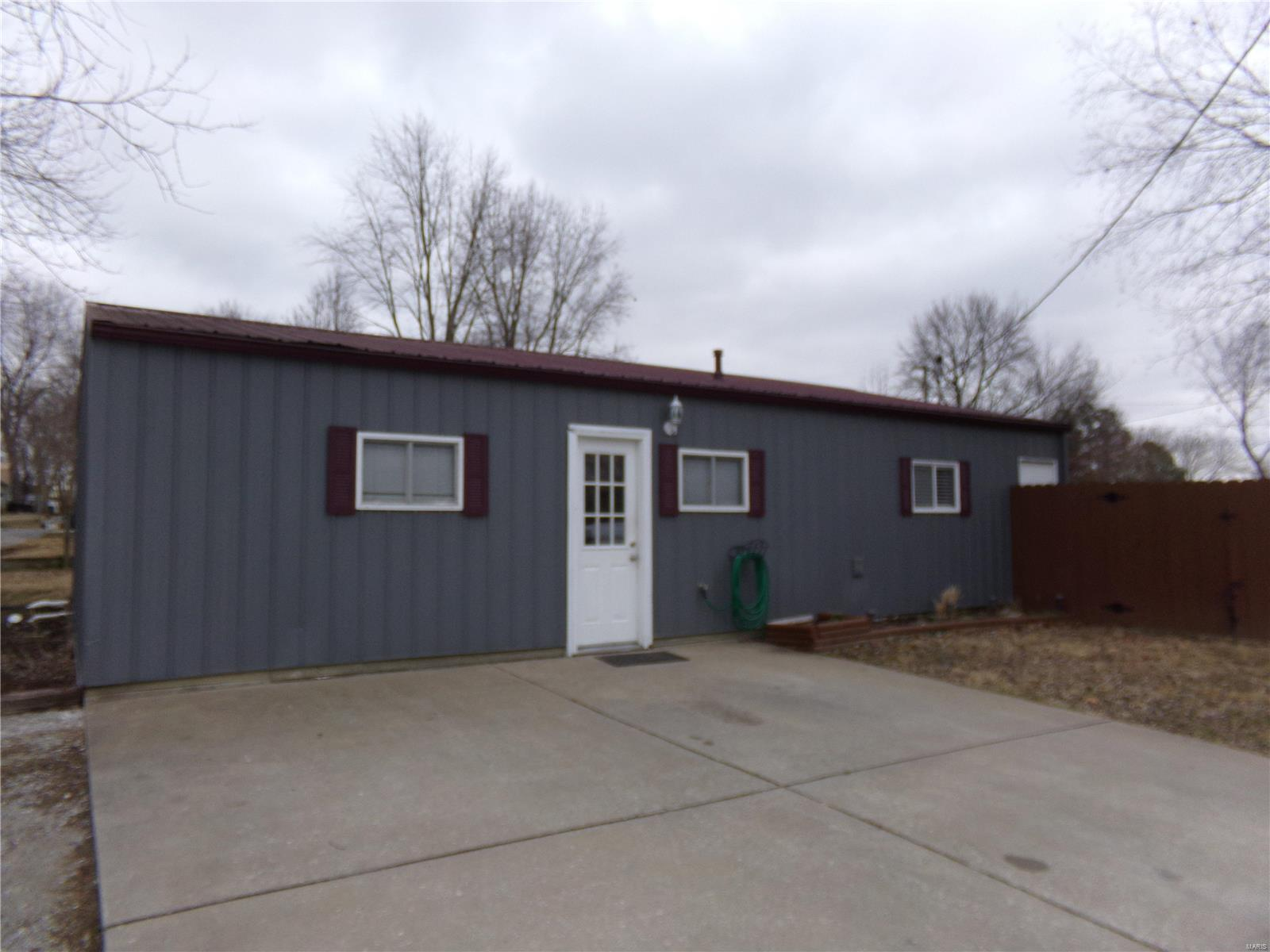 706 S Odle Property Photo - West Frankfort, IL real estate listing