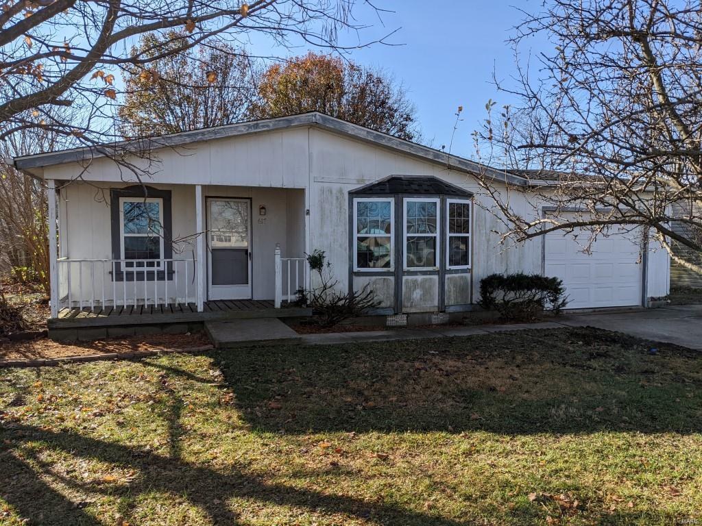 617 Margaret Court Property Photo - New Baden, IL real estate listing