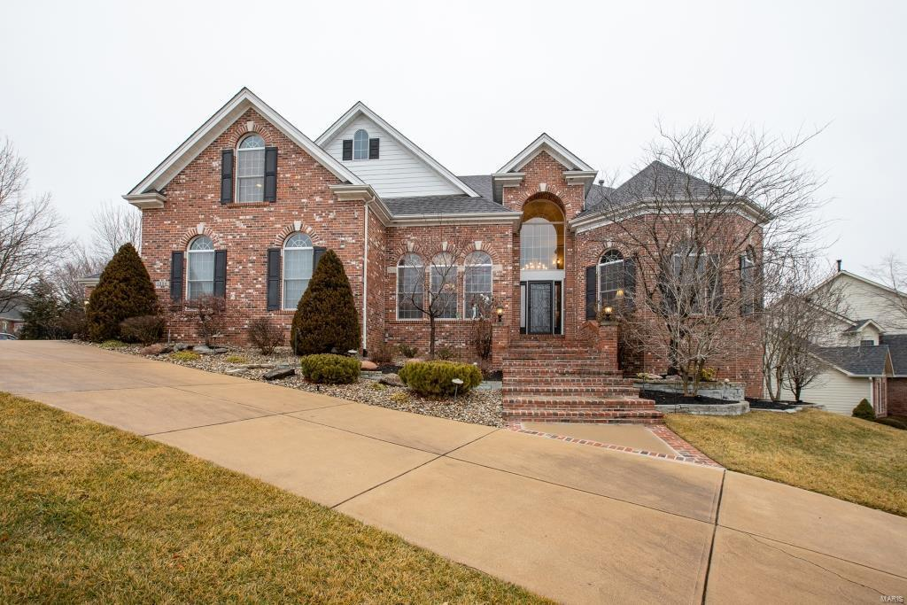 1324 Eaglewinds Court Property Photo - Chesterfield, MO real estate listing