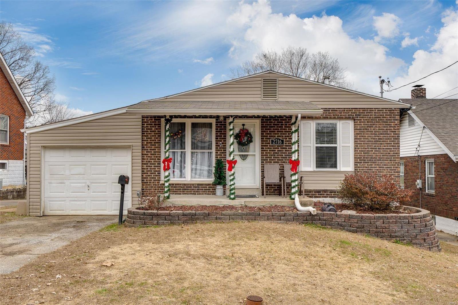 2716 W Tennyson Avenue Property Photo - St Louis, MO real estate listing