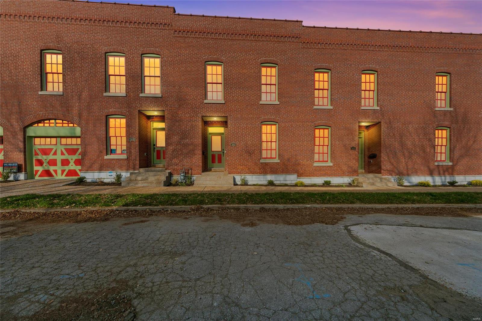1853 Menard Street Property Photo - St Louis, MO real estate listing