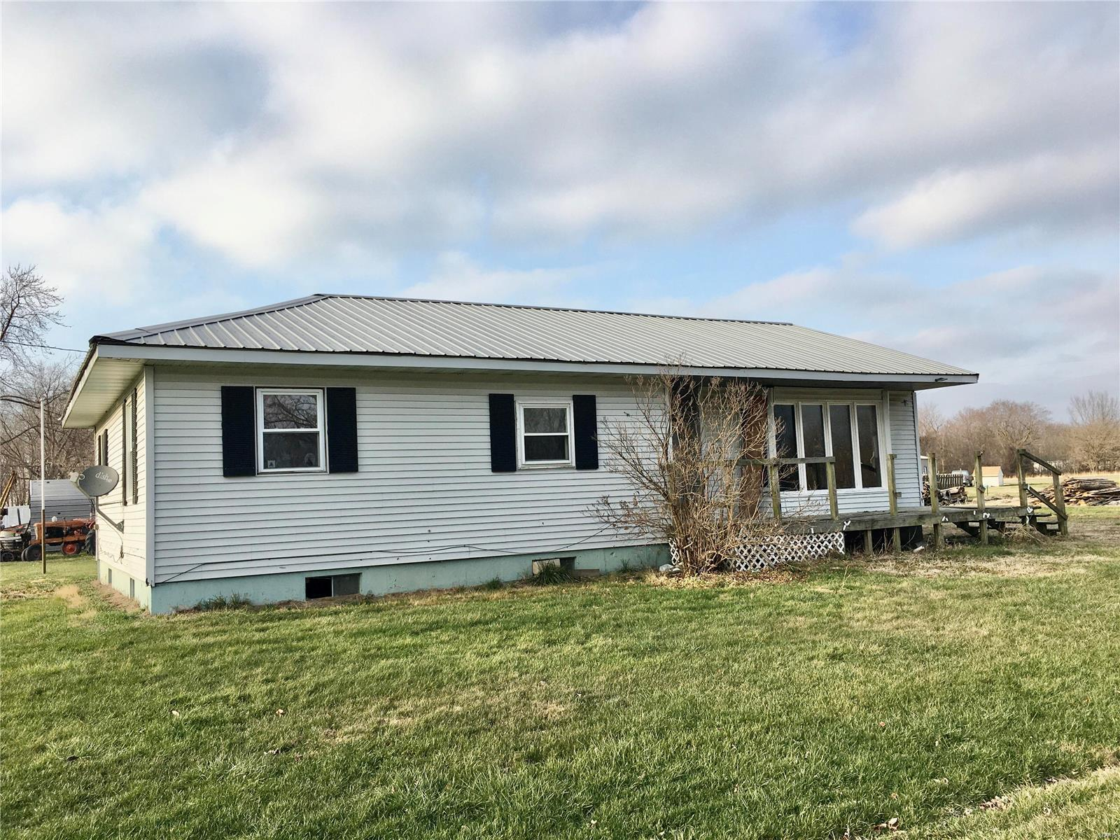 202 N Ash Street Property Photo - Coffeen, IL real estate listing