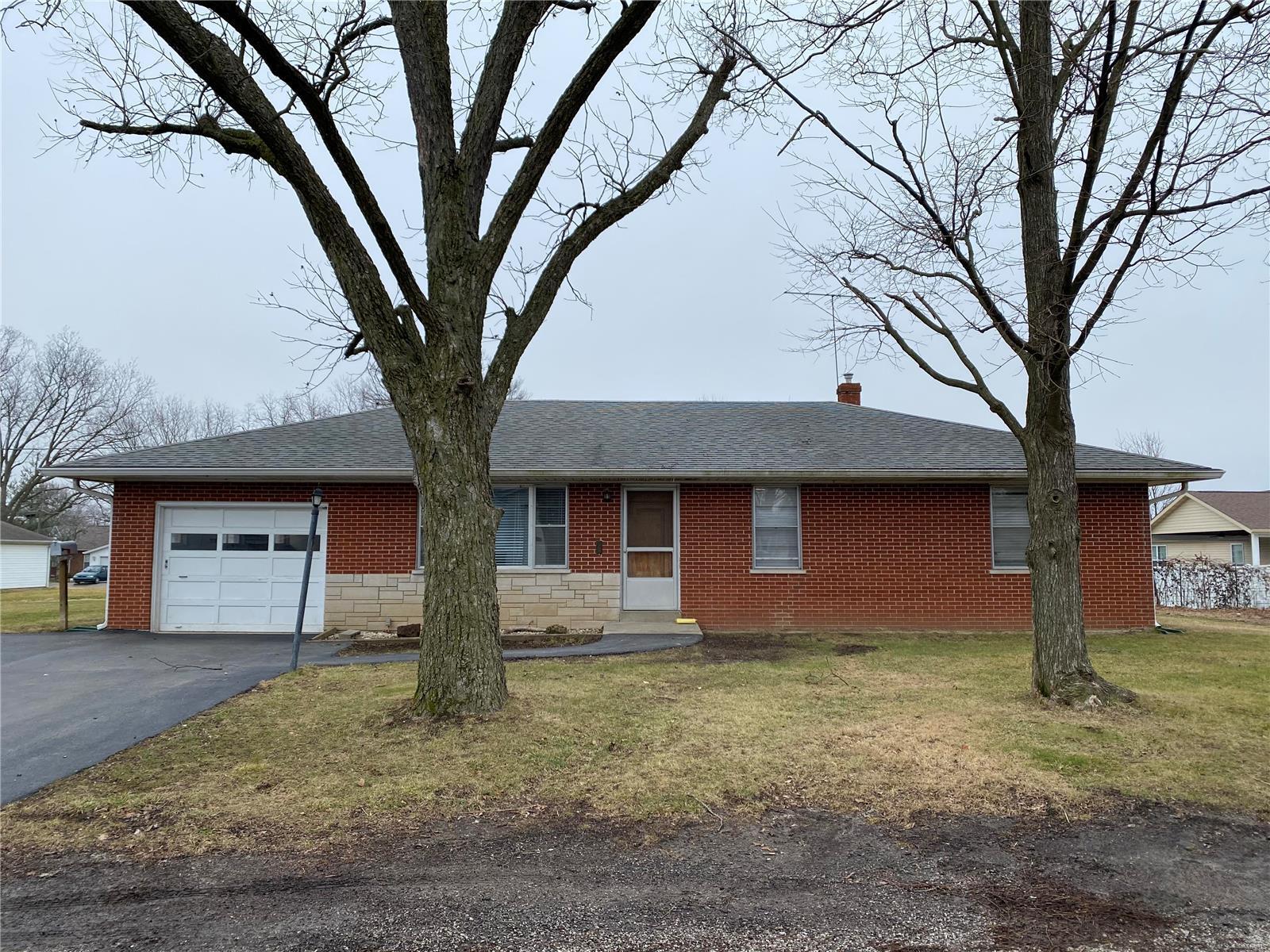 110 Braun Street Property Photo - Red Bud, IL real estate listing
