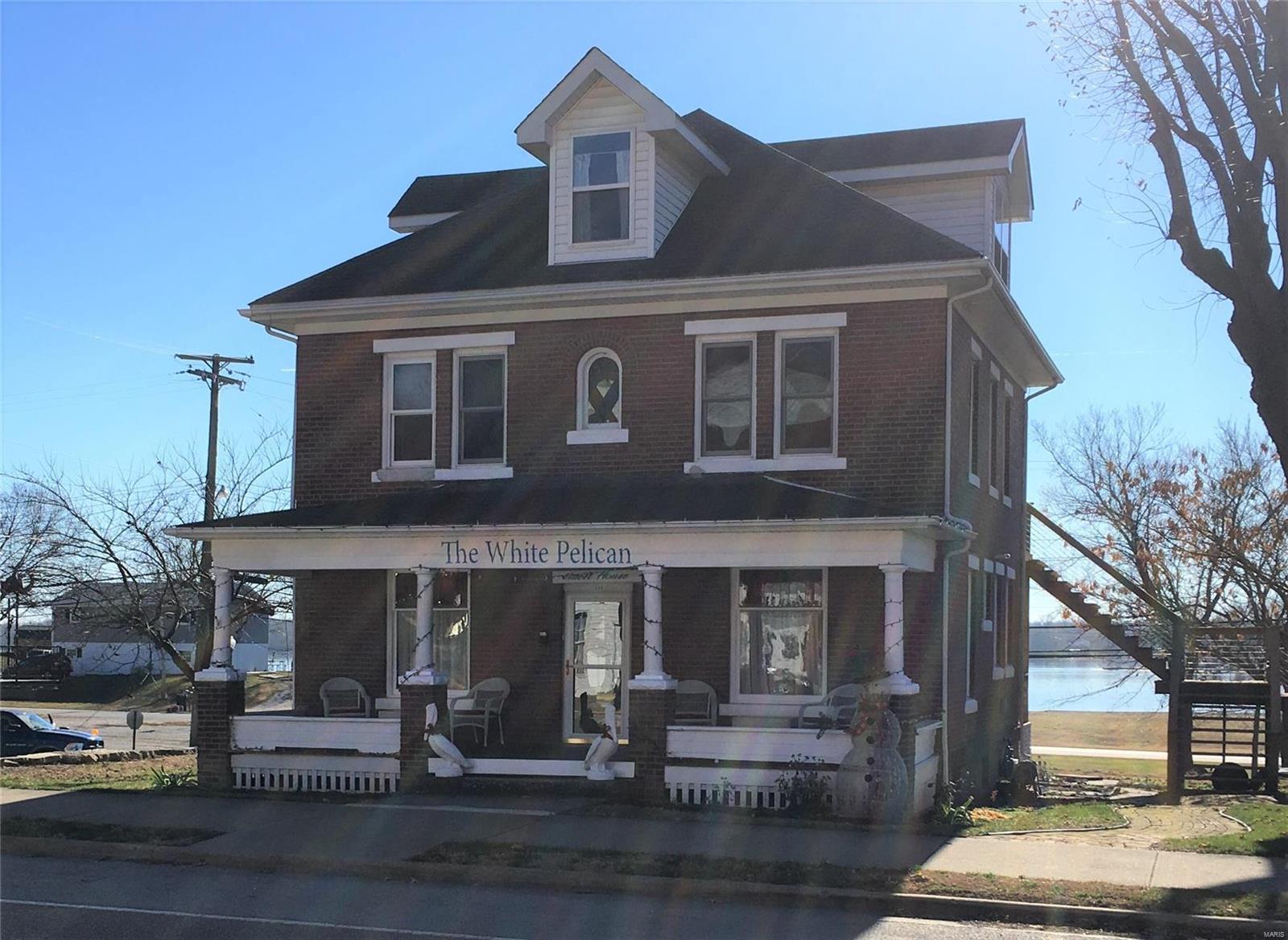127 E Main Street Property Photo - Grafton, IL real estate listing