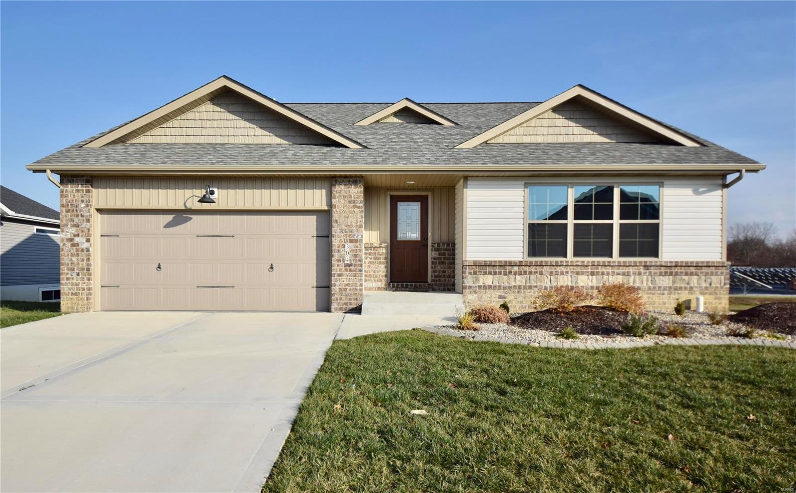304 Olyvia Street Property Photo - St Jacob, IL real estate listing