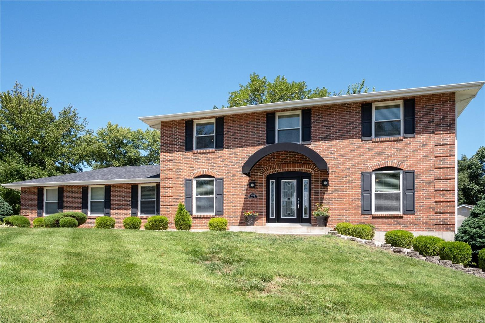 15515 Twingate Drive Property Photo - Chesterfield, MO real estate listing