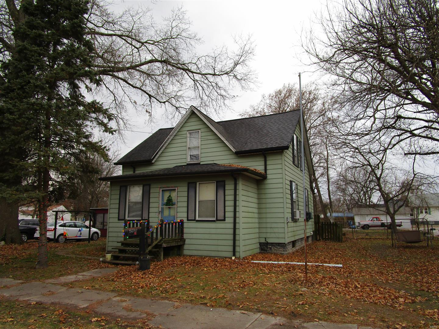 207 S Walnut Property Photo - Sparta, IL real estate listing