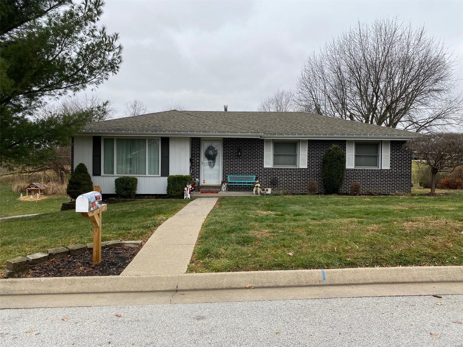 32 Cherokee Trail Property Photo - Hannibal, MO real estate listing