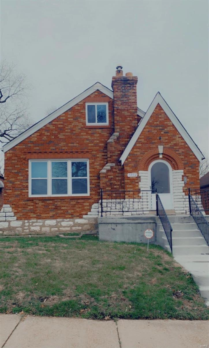 5972 Summit Avenue Property Photo - St Louis, MO real estate listing