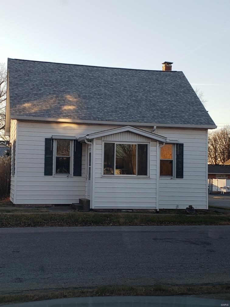 2 S Alton Street Property Photo - Freeburg, IL real estate listing