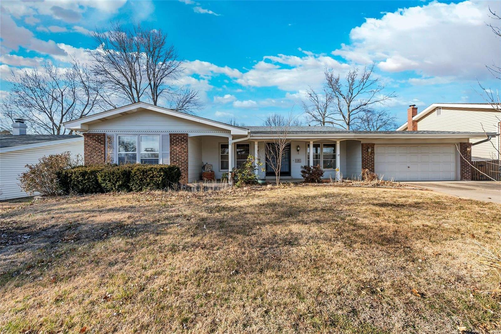 7569 Georgetown Property Photo - Hazelwood, MO real estate listing