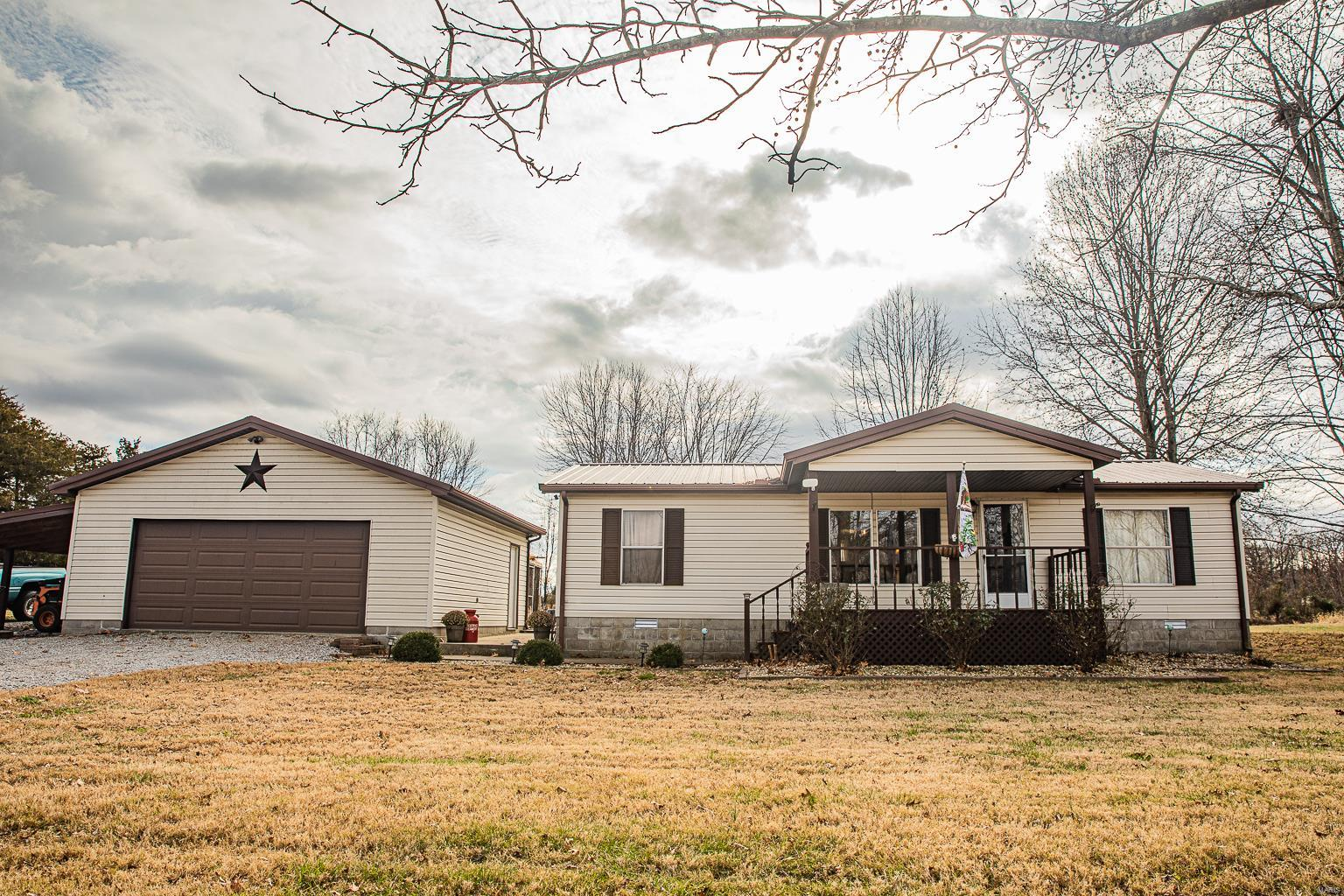 10911 Stotlar Property Photo - Johnston City, IL real estate listing