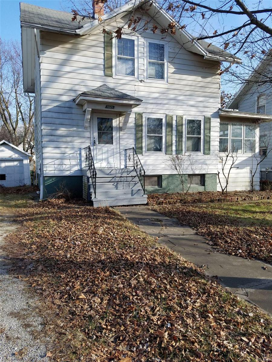 1021 N Charles Property Photo - Carlinville, IL real estate listing