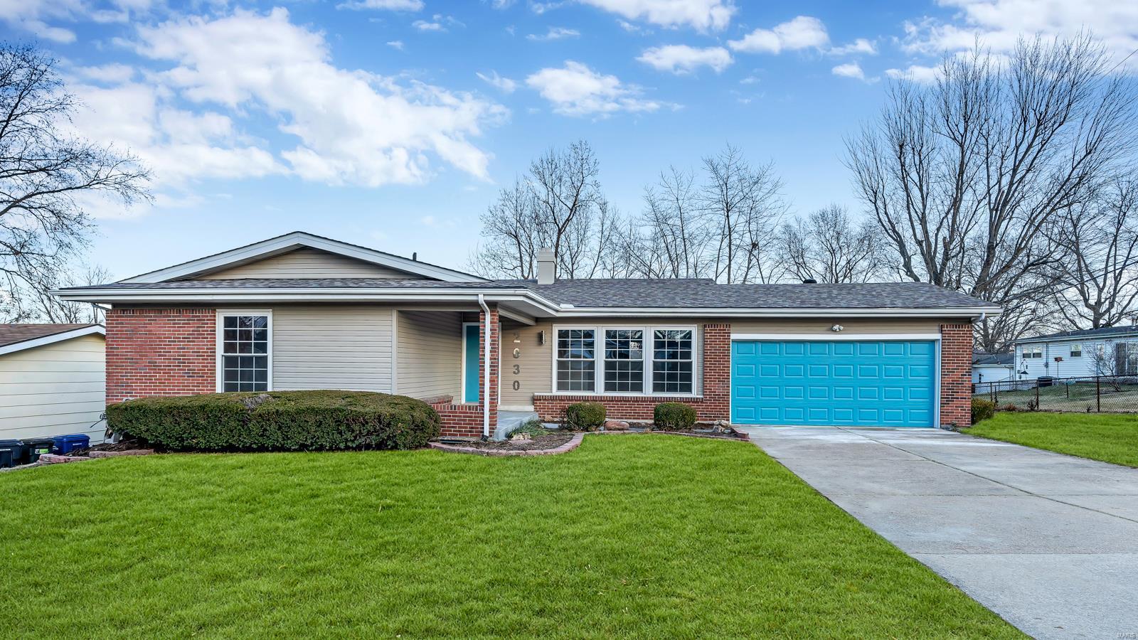 2030 Granada Drive Property Photo - Florissant, MO real estate listing