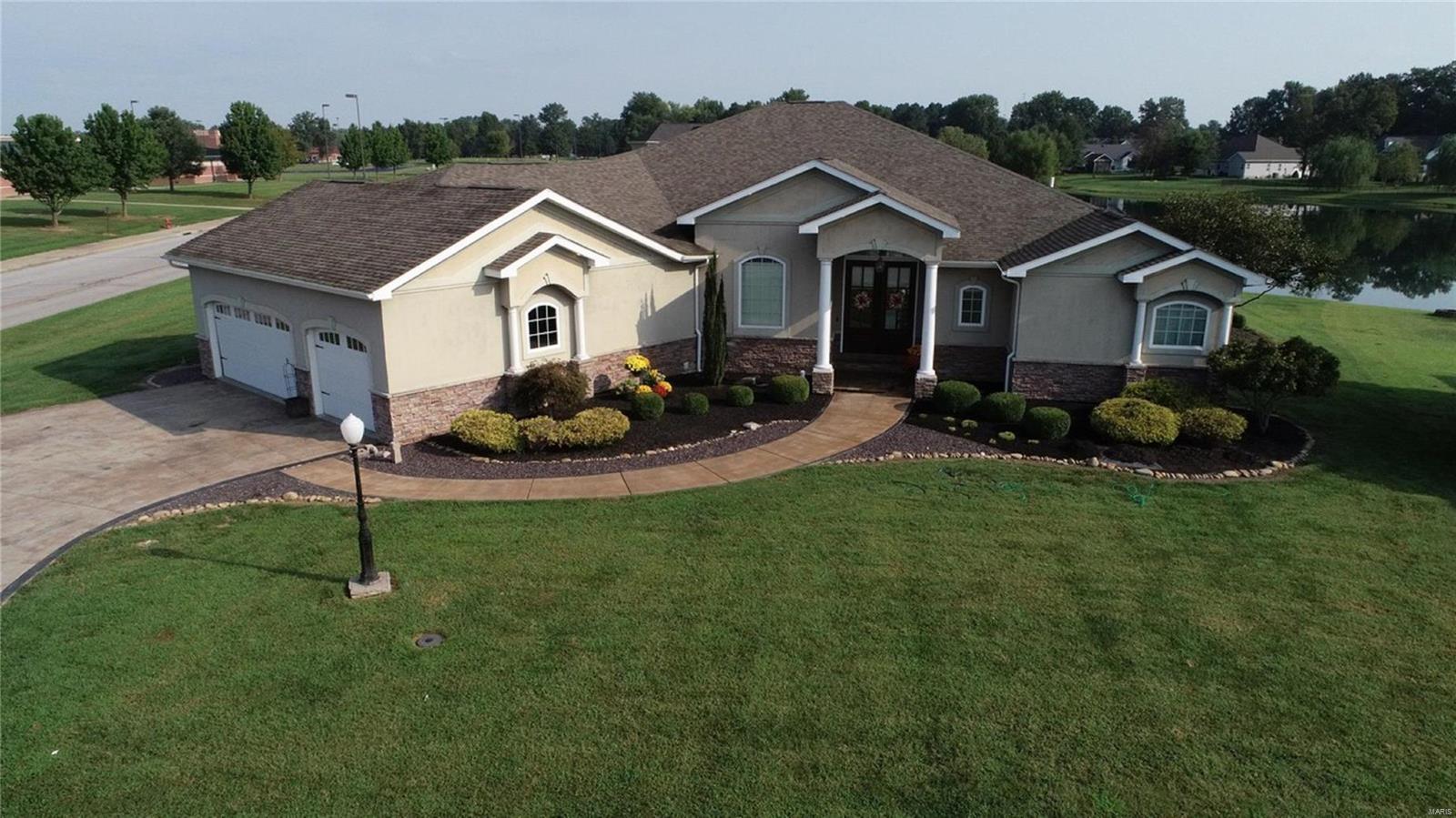 1406 Nicole Lane Property Photo - Carterville, IL real estate listing